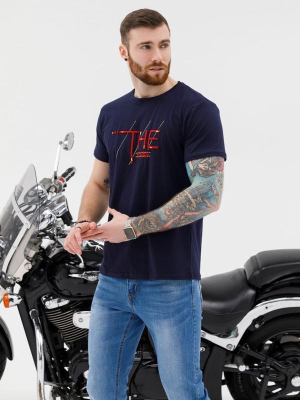 Синяя эластичная трикотажная футболка с вышивкой