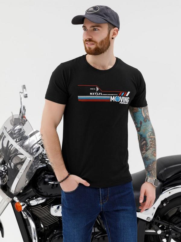 Черная трикотажная принтованная футболка