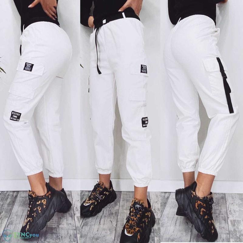 Штаны джогеры белые -с накладными карманами