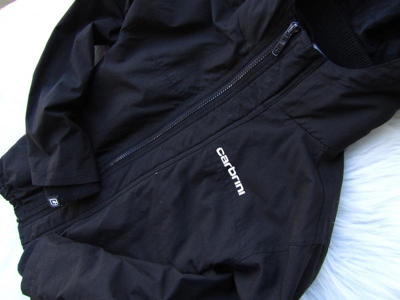 Стильная куртка ветровка с капюшоном carbrini - Фото 2