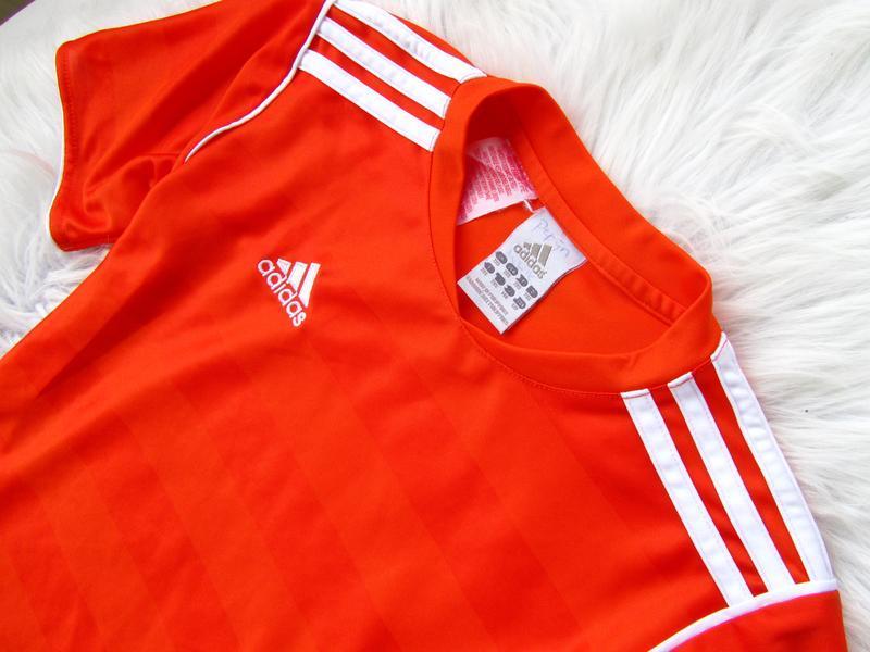 Стильная футболка adidas - Фото 2