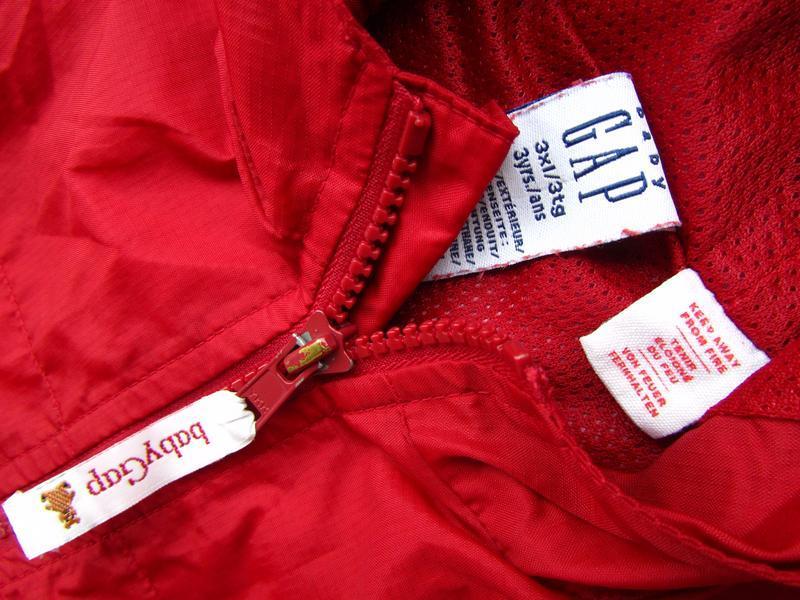 Стильная ветровка дождевик куртка парка с капюшоном gap - Фото 4