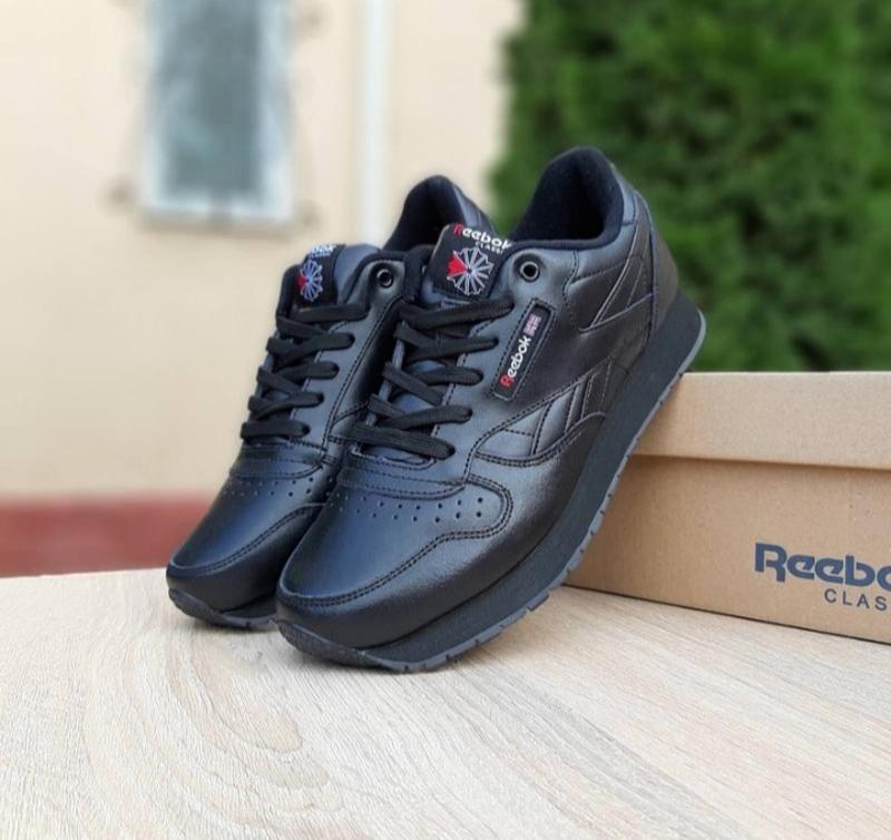 Мужские кроссовки reebok classic черные,кожаные,весна