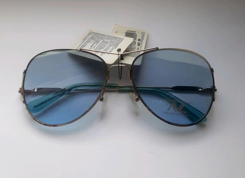 Солнцезащитные очки капельки