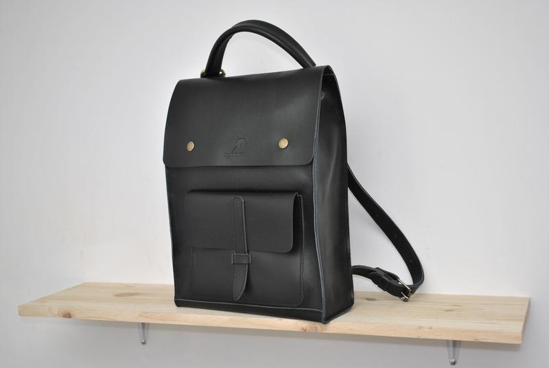 Рюкзак трансформер. черный глянец