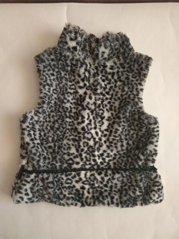 Распродажа!!!стильна меховая жилетка от испанского бренда zara