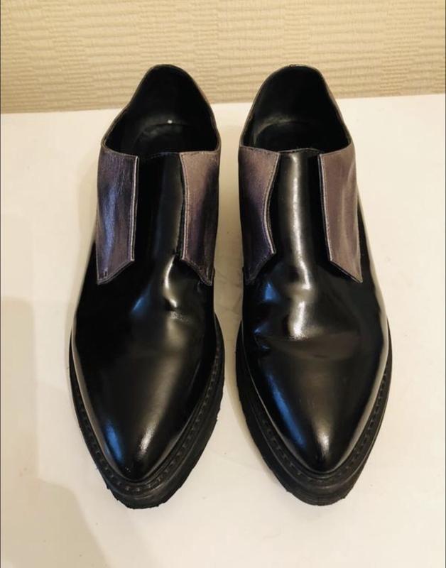 Стильные кожаные туфли на толстой подошве attizare!