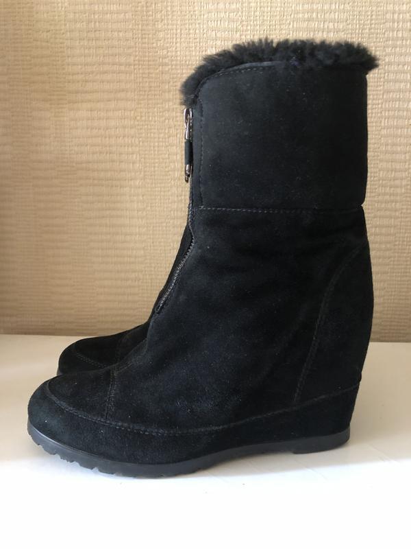 Стильные черные замшевые ботинки на натуральном меху!