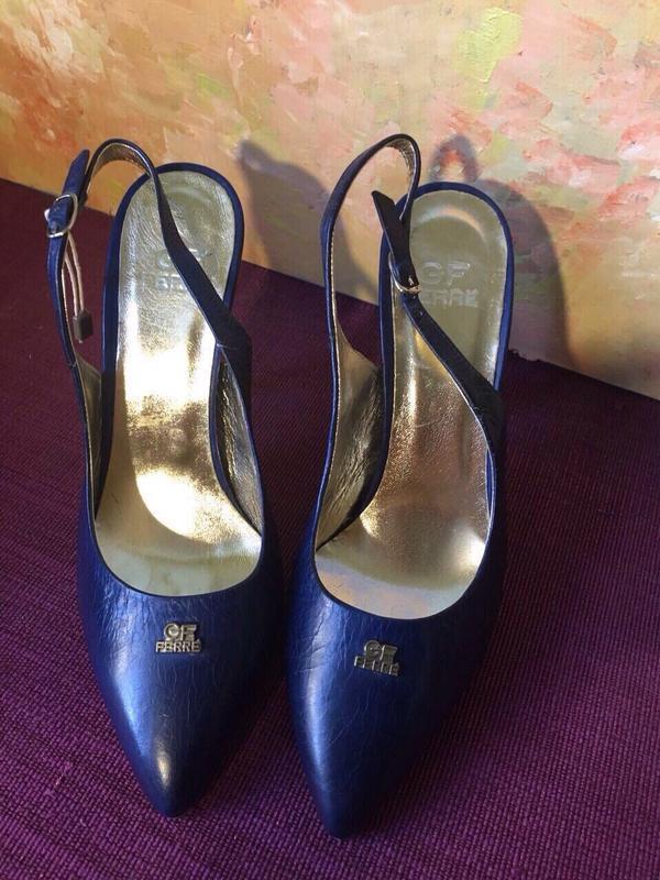 Шикарные синие туфли босоножки gfferre!