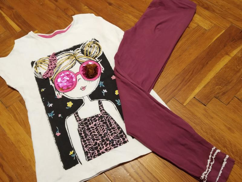 Комплект  на лето с пайетками перевертышами, футболка, лосины