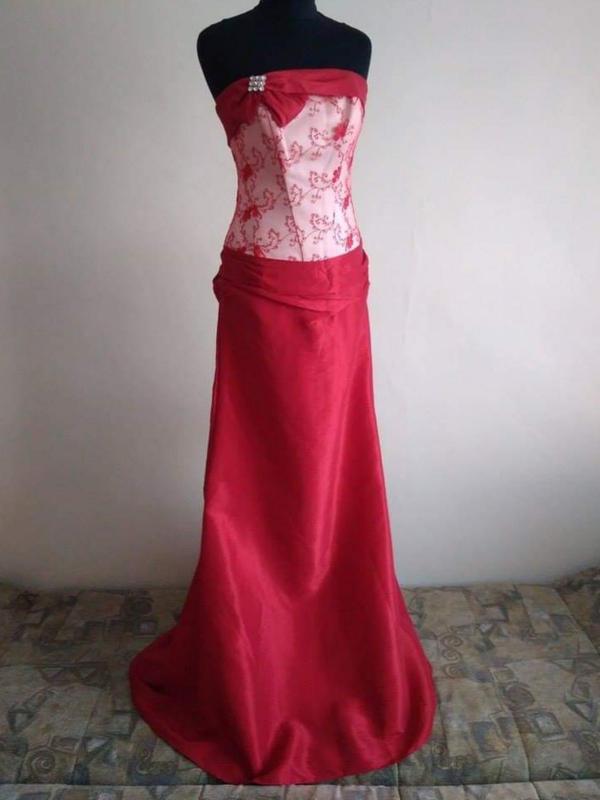 Свадебное платье темно-красное