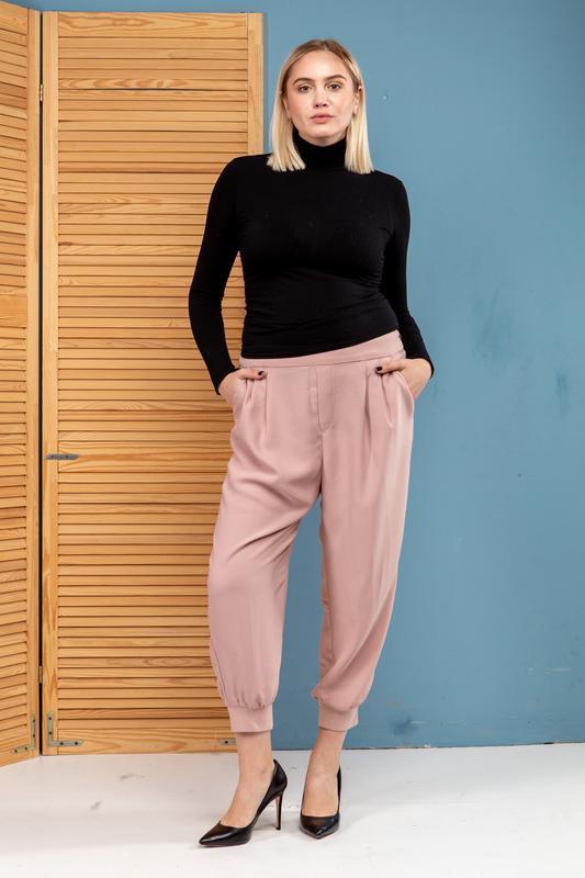 Модные летящие брюк от gap качество шикарный цвет большой разм...