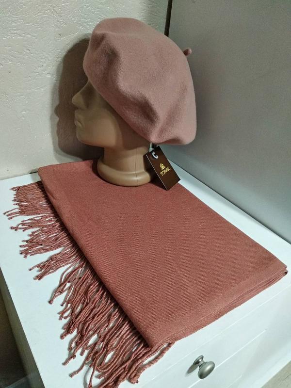 Комплект чешский фетровый берет tonak и шарф палантин коралловый
