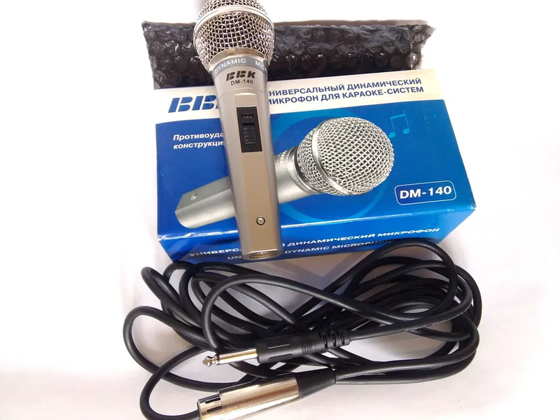 BBK DM-140 универсальный динамический противоударный микрофон.