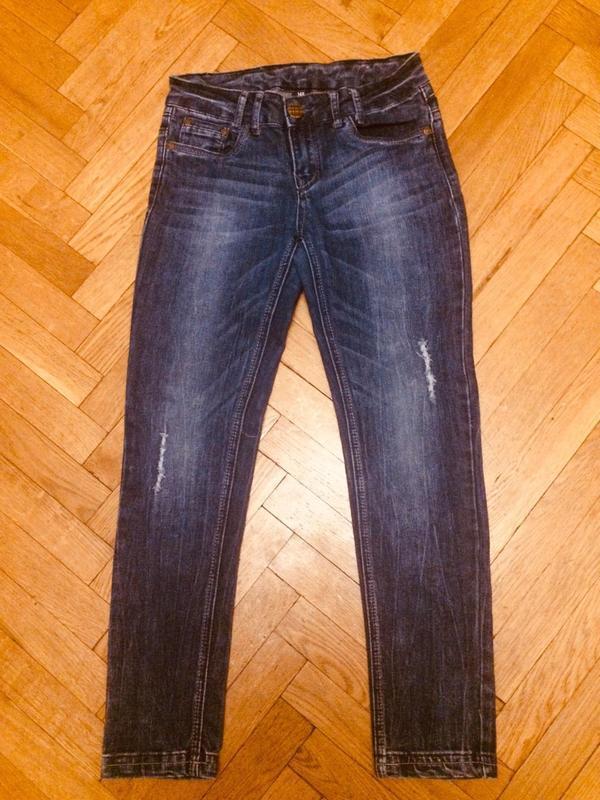 Стильные джинсы с потертостями y.f.k