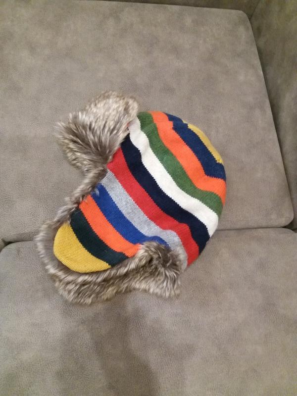 Яркая шапка-ушанка бренд-gap-