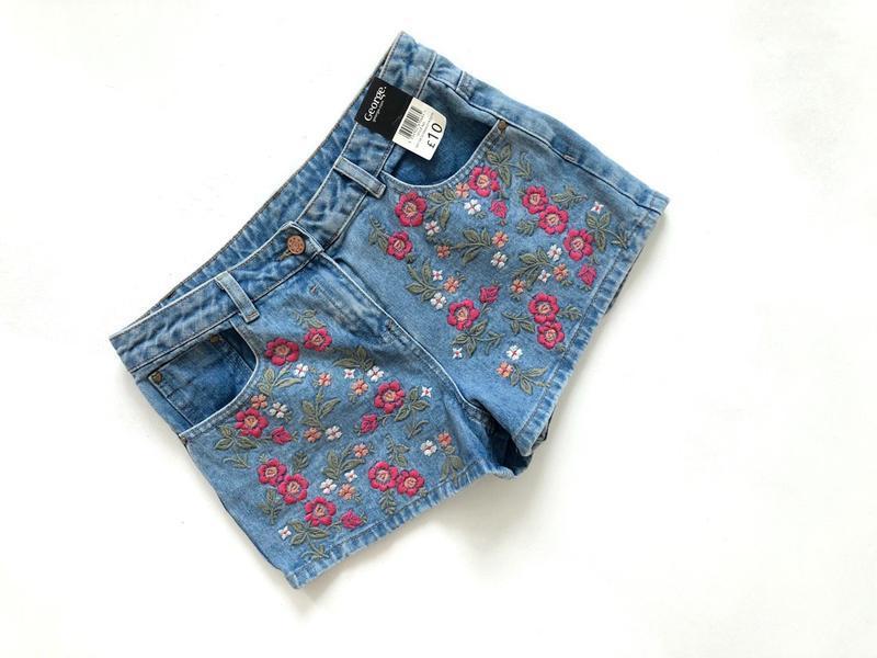 Новые с биркой джинсовые голубые шорты