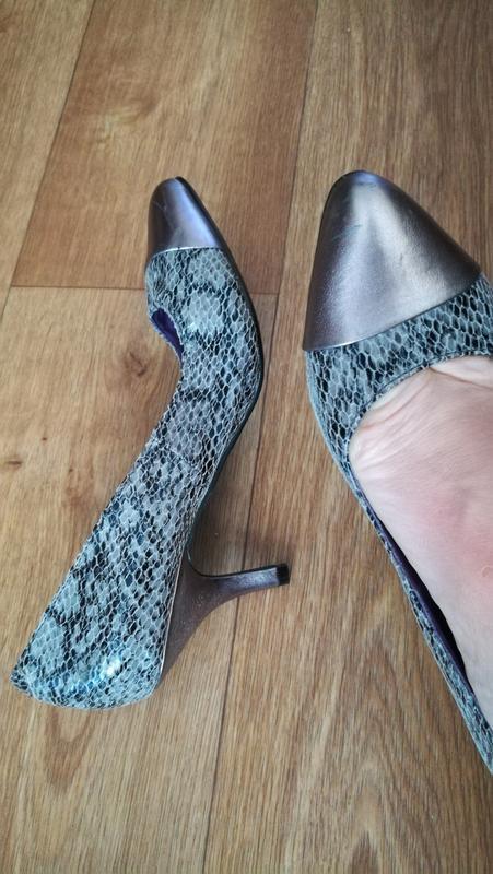 Кожаные туфли, змеиный принт sole survivor