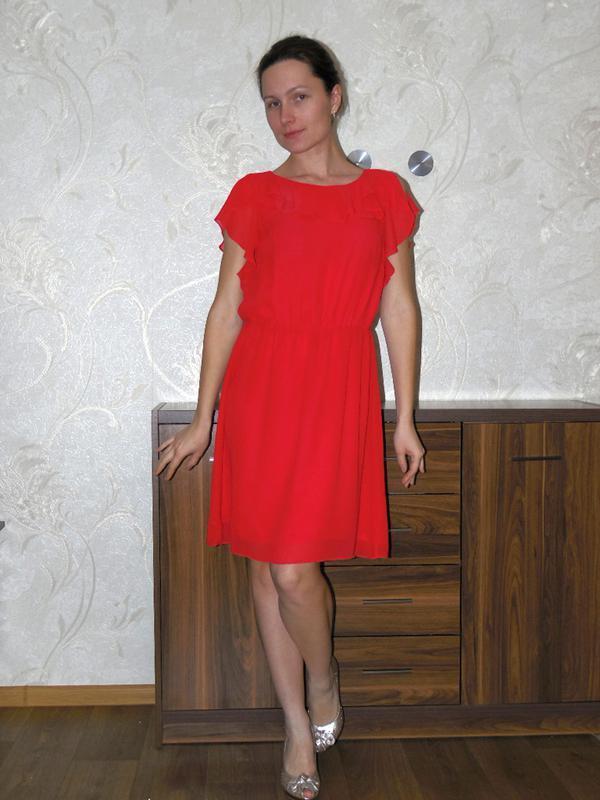 Шифоновое красивое красное платье