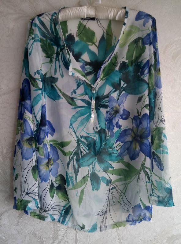 Легкая блуза в цветочный принт sobe