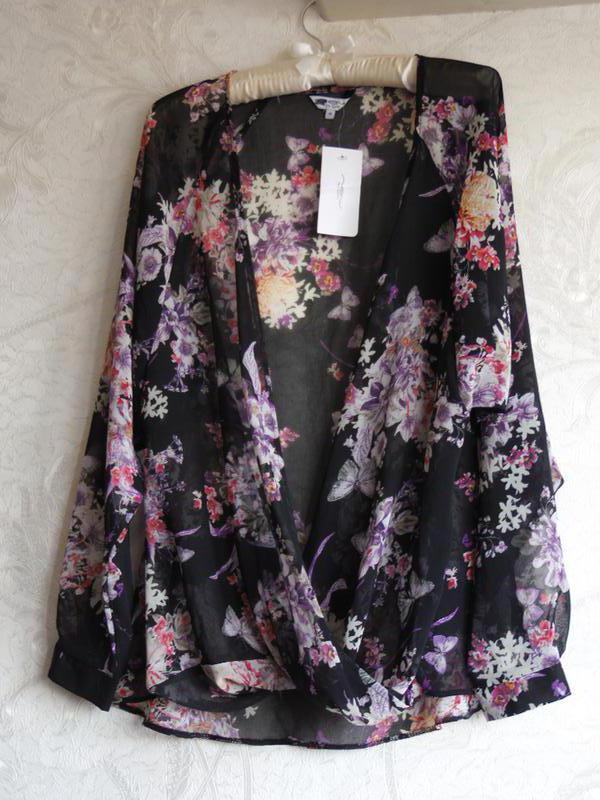 Шифоновая блуза на запах, цветочный принт
