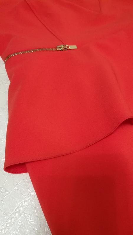 Шикарное красное открытое платье - Фото 4