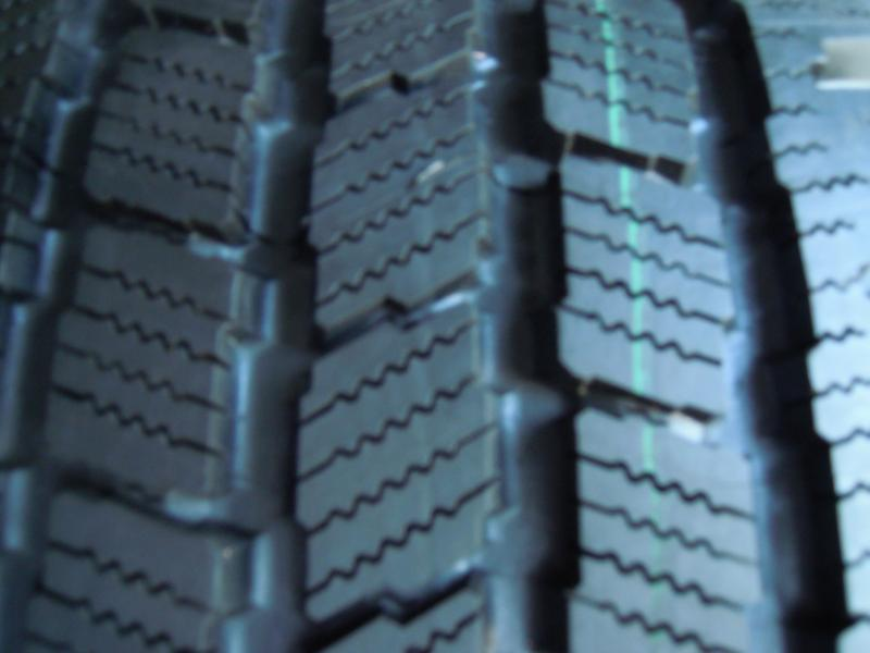 Шина Michelin LTX 245/65/17 - Фото 2