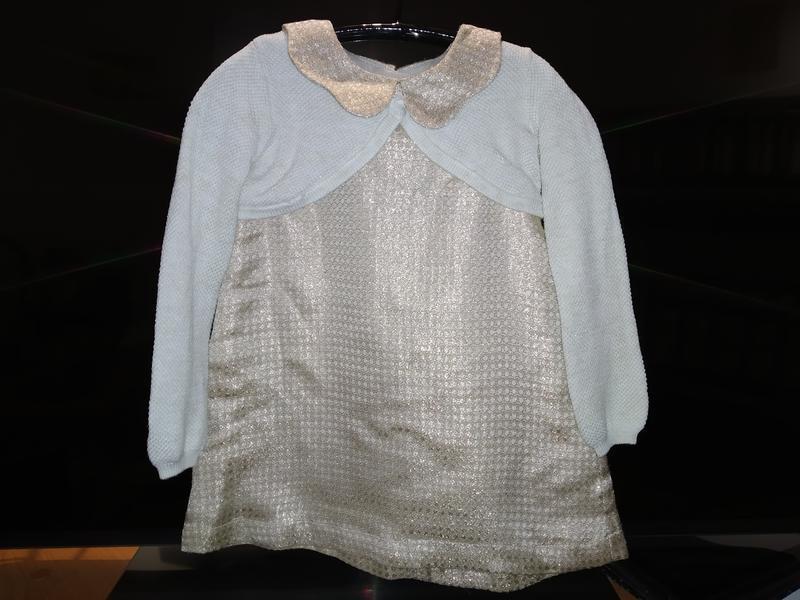 Нарядное золотистое платье  и балеро на 2-3 годика