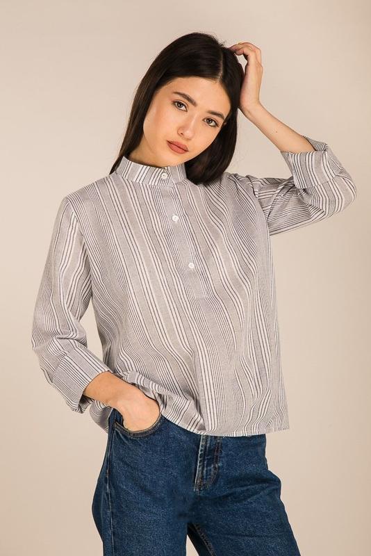 Классическая блуза рубашка с полоску