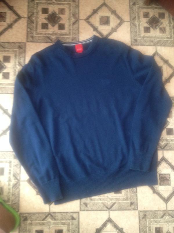 Оригинальный пуловер.101