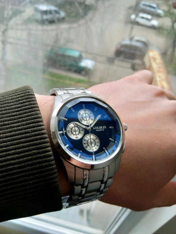 Продам часы наручные