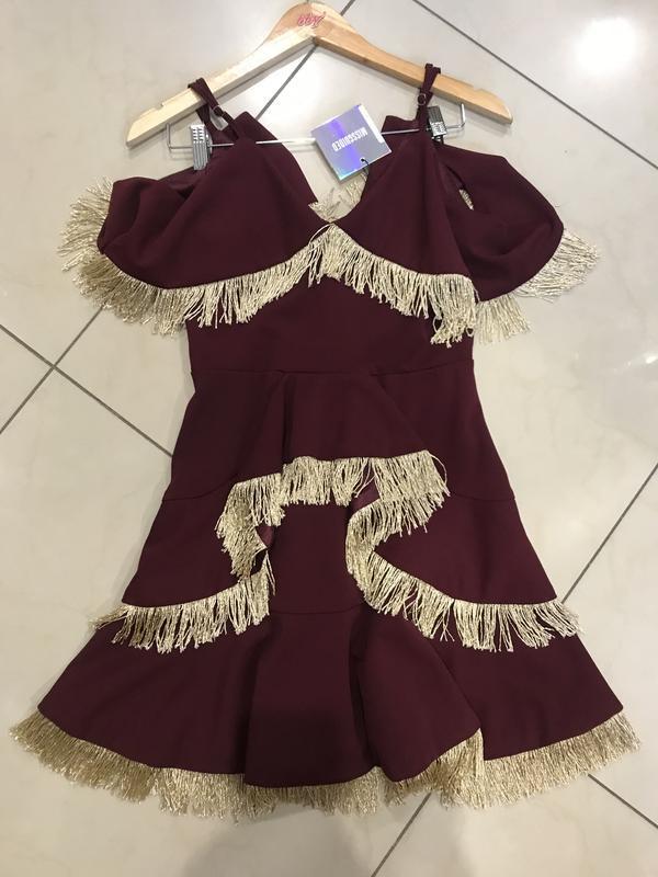 👑♥️final sale 2019 ♥️👑   бордовое мини платье с золотий бахромой