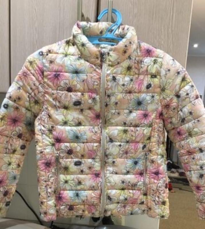 Курточка для девочки размер 128-134см. состояние б/у