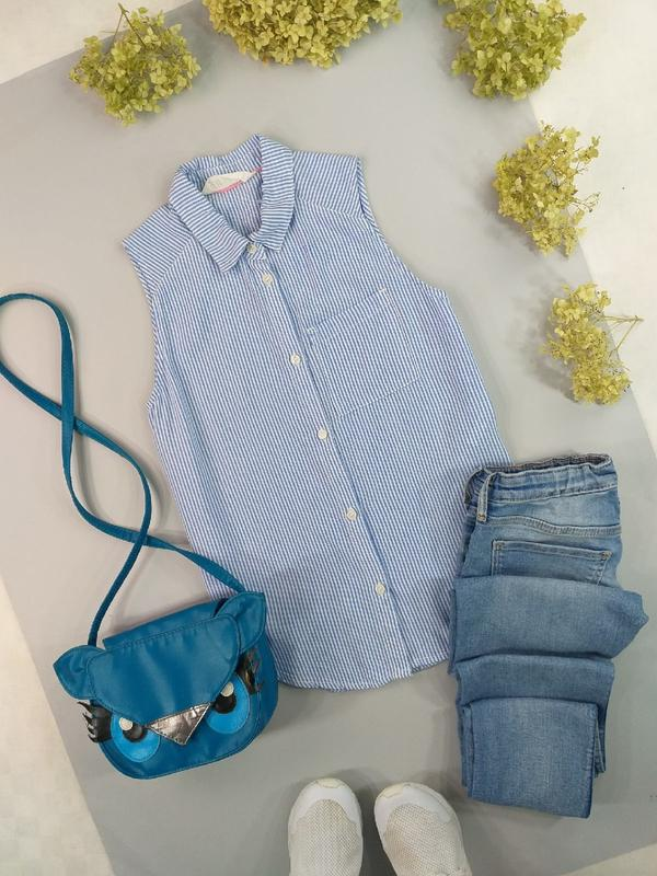 Майка/рубашка безрукавка голубая в полоску 8-9лет