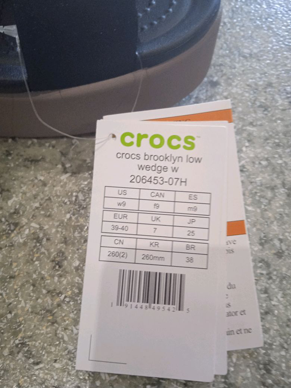 Женские босоножки Crocs - Фото 2