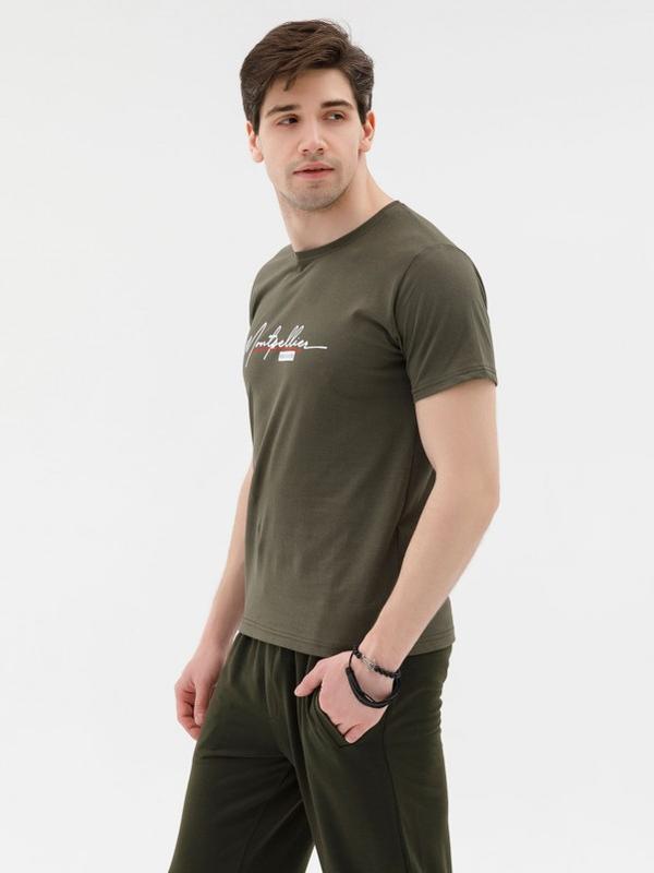 Трикотажная футболка цвета хаки с надписью