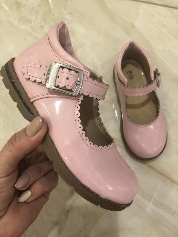 Шикарные лаковые туфли для девочки, натуральная лаковая кожа,
