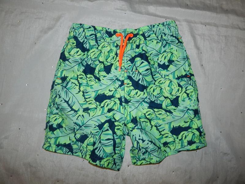 Шорты пляжные можно для плавнья на мальчика 9-10 лет 135-140см