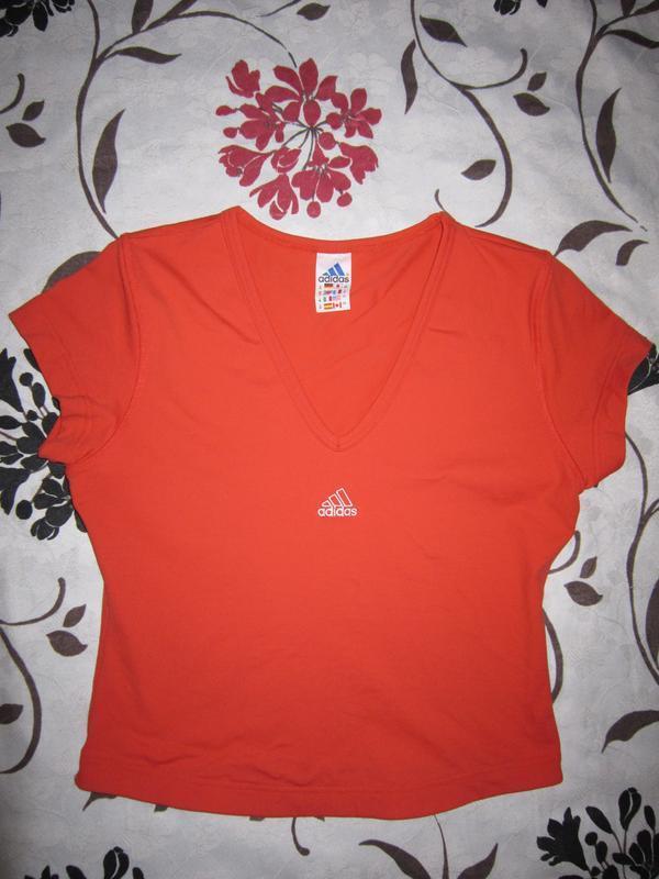 Оранжево-терракотовая футболка adidas