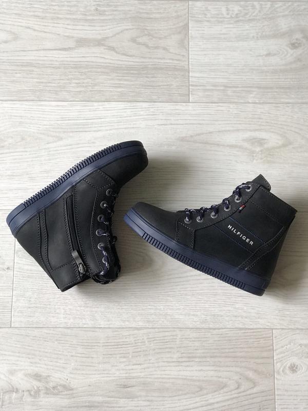 Стильные кожаные ботинки, осенние