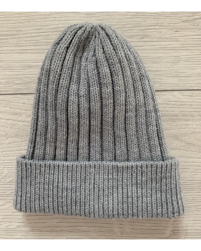 Красива шапка жіноча, сіра шапка, тоненька шапка, стильна.