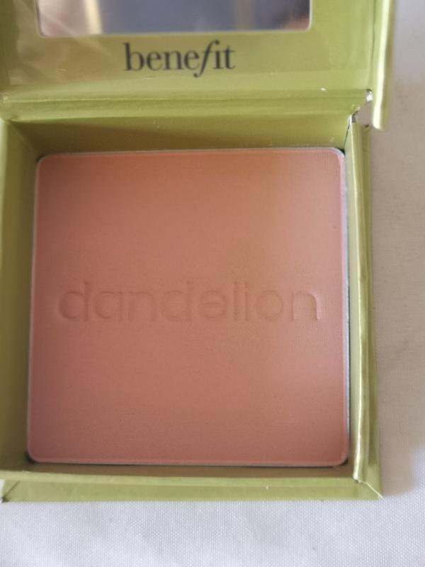 Benefit dandelion осветляющая пудра для лица, 7 гр. - Фото 5
