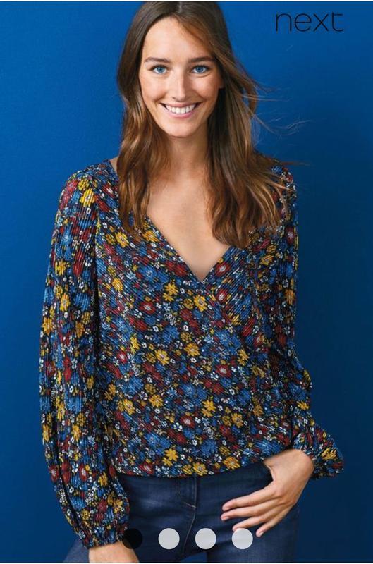 Красивая блуза цветочный принт плиссе 16/50-52 размера