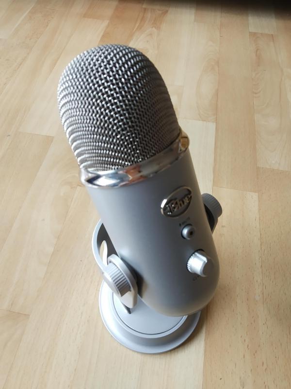 USB Микрофон Blue Microphones Yeti (Silver)