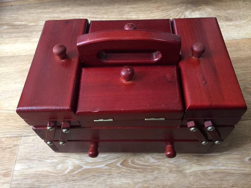 Кейс/шкатулка для рукоделия деревянная 20,5х12х13 см