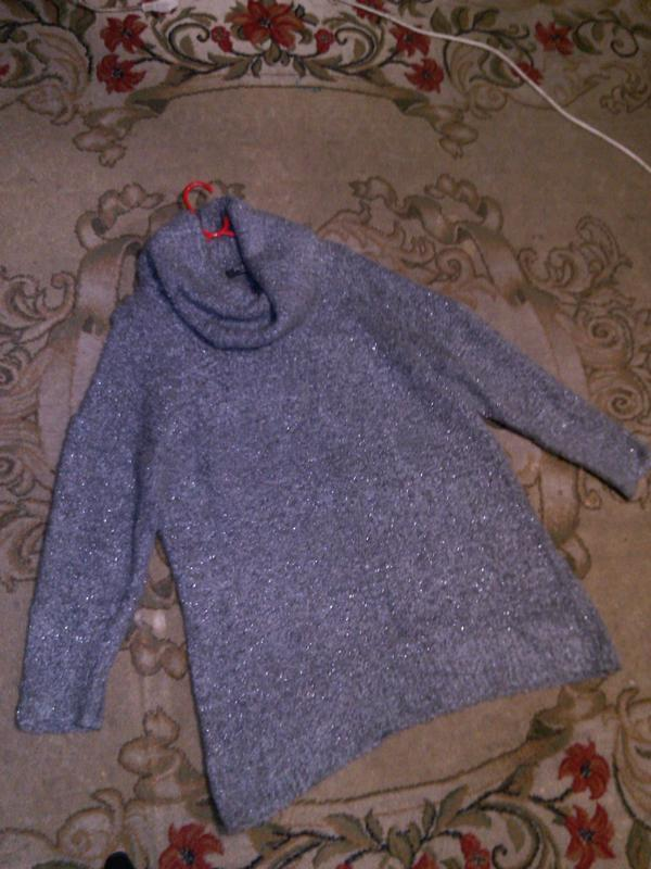Чудесный,мягкий,буклирован.,серый с люрексом,свитер-туника с х... - Фото 6