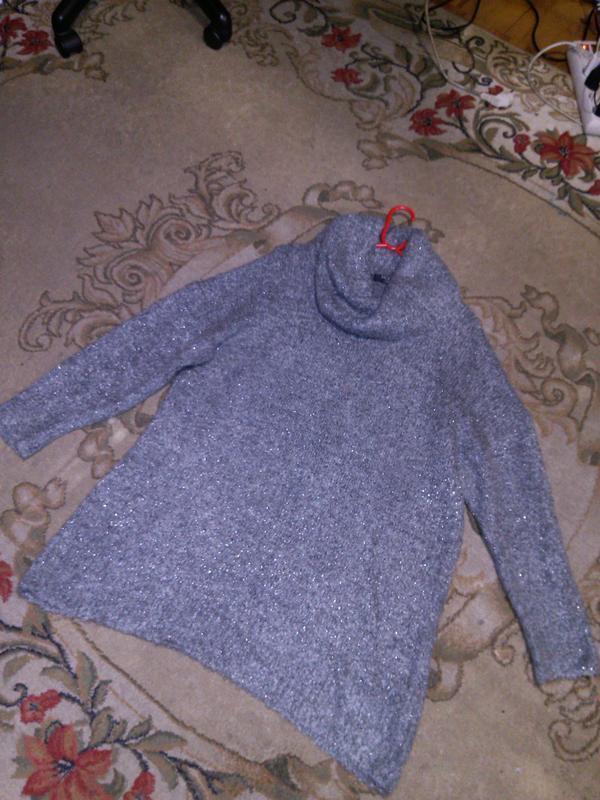 Чудесный,мягкий,буклирован.,серый с люрексом,свитер-туника с х... - Фото 7
