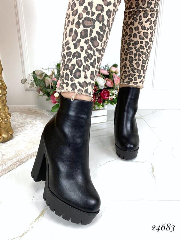 Зимние ботинки на каблуке и платформе,тёплые чёрные ботинки на...