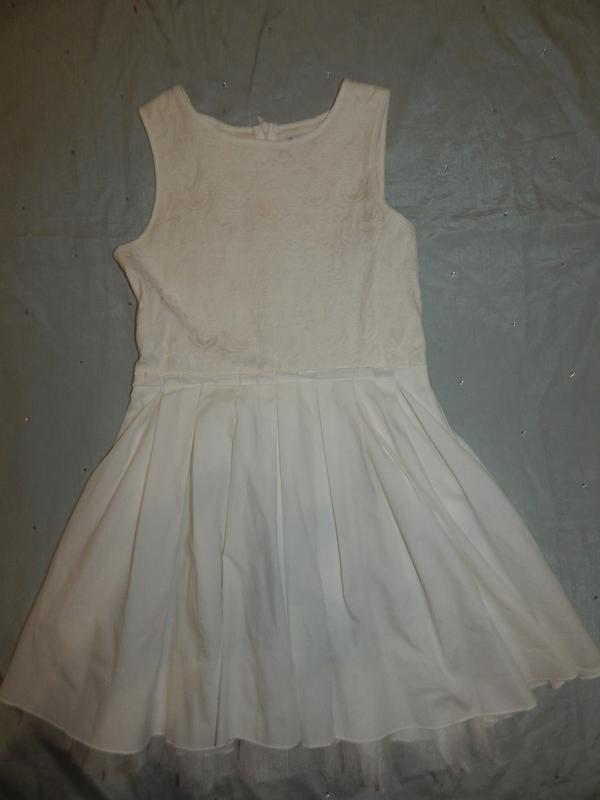 Платье на девочку нарядное 11 лет 146см можно на меньше