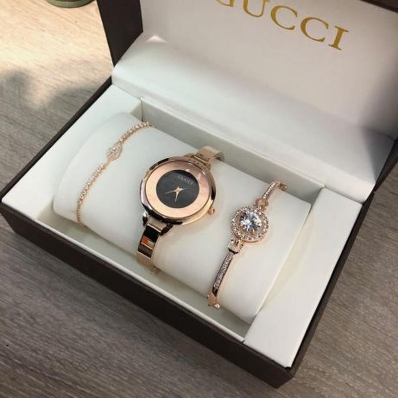 Часы Gucci с браслетами в Смоленске